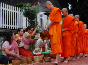 1 Alms giving ceremony_Luang Prabang1